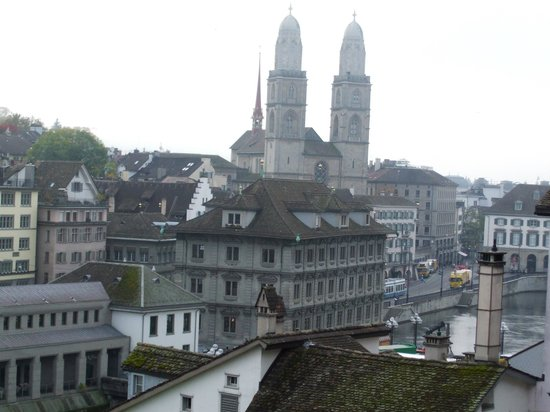 Free Walk Zurich: Views from Lindenhof