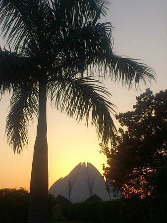Classic Taj Day Tours: Lotus Temple Dehli