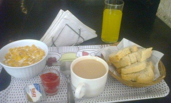 Itaka Hostel: desayuno
