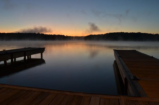 The Ritz-Carlton Reynolds, Lake Oconee: Lake at Sunrise - docks