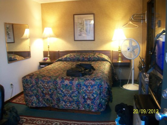 Shooting Star Motel: Room view from doorway