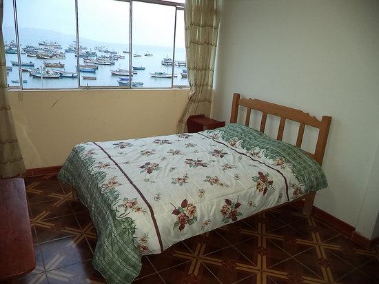 Hotel Fiorella : habitacion matrimonial con vista a la playa