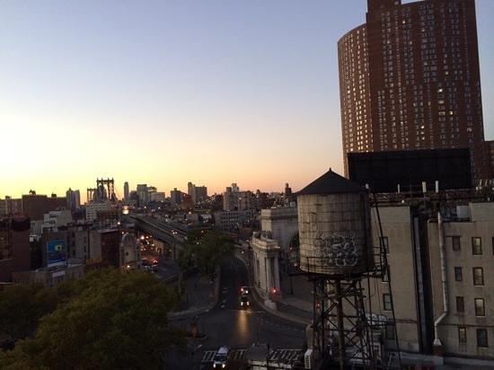 Comfort Inn Manhattan Bridge: another view