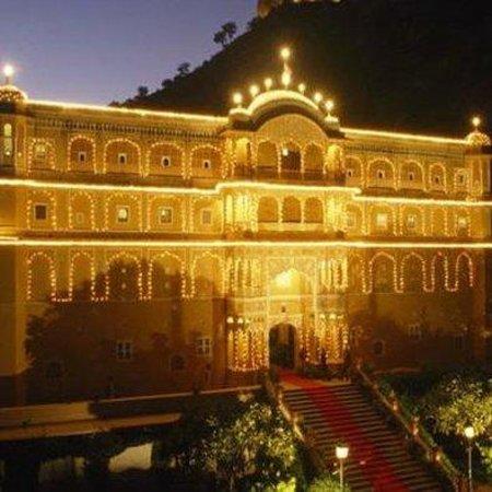 Samode Palace: Exterior