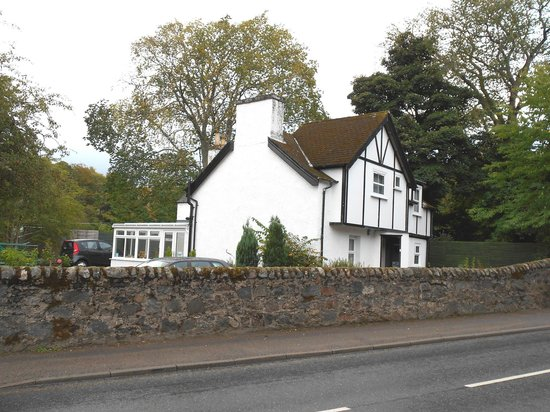 Abbey Cottage Bed and Breakfast : LATERAL DE LA CASA