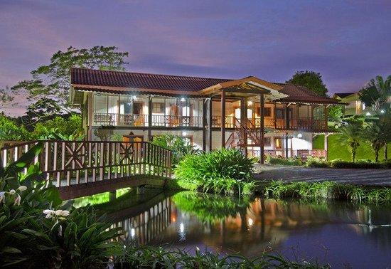 Hotel Montana de Fuego Resort & Spa: Exterior familyStandard
