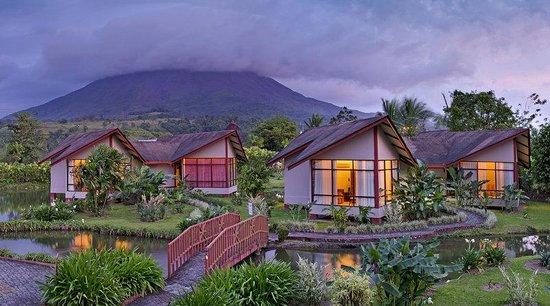 Hotel Montaña de Fuego Resort & Spa: Exterior Volcano View