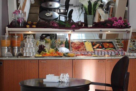 Halbersbacher Airport Hotel Frankfurt: Breakfast Buffet