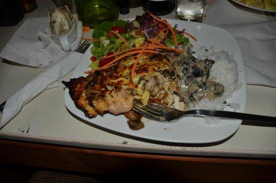 Bello Cibo Restaurant: chicken dish
