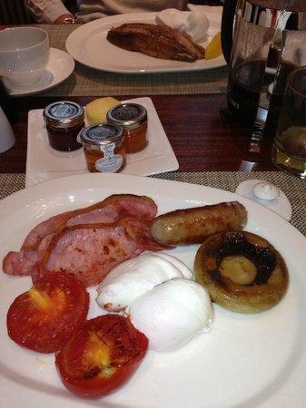 โรงแรมเดอะแคปิทอล: outstanding breakfast