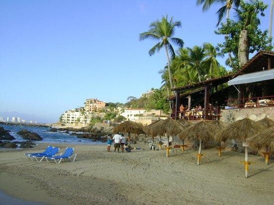 Playa Conchas Chinas Hotel: la pequeña playa