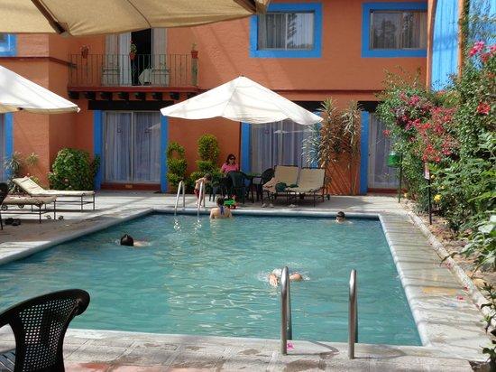Mision Guanajuato: la pileta de natación, o alberca