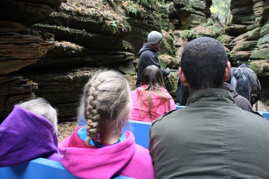 Lost Canyon Tours: tour guide Chris keeps you entertained