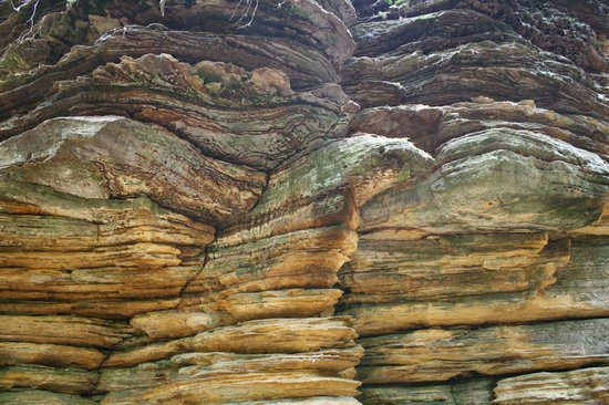 Lost Canyon Tours: Eagle rock formation