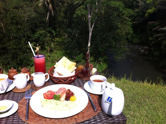 Villa Semana : Amazing breakfasy facing the river