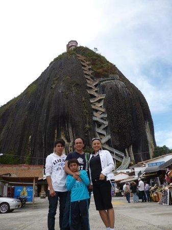 Piedra del Penol: familia