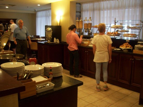 SpringHill Suites by Marriott Old Montreal : Breakfast area