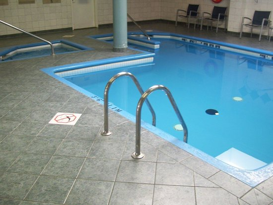 SpringHill Suites by Marriott Old Montreal: Pool