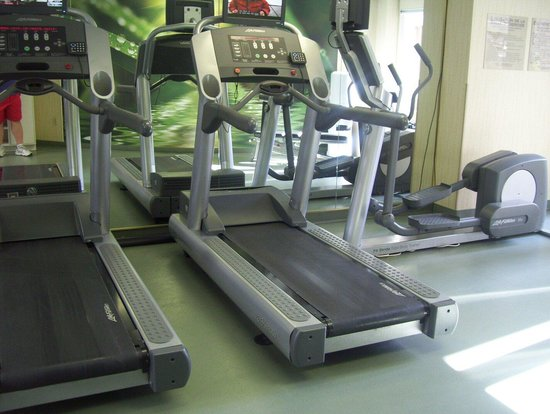 SpringHill Suites Old Montreal: Gym