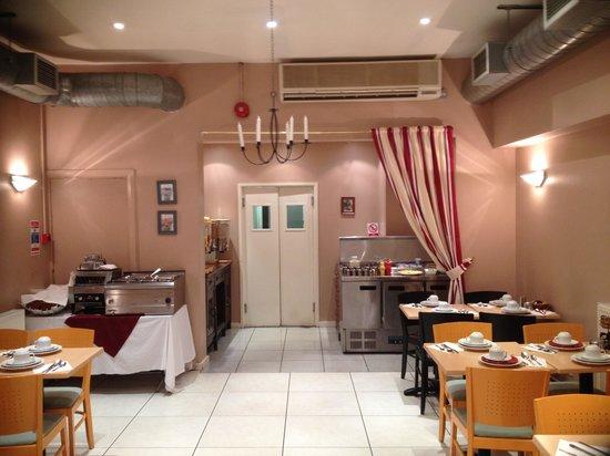 Elysee Hotel: Breakfast room