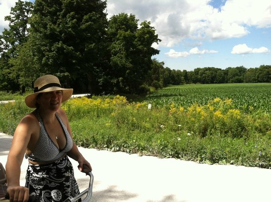 The Old Schoolhouse  of Isle La Motte: Biking through the countryside