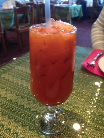 Thai Place Restaurant: Cannot go wrong with a Thai Iced Tea