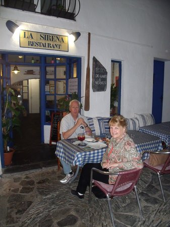 Restaurant La Sirena: Outside enjoying our meal