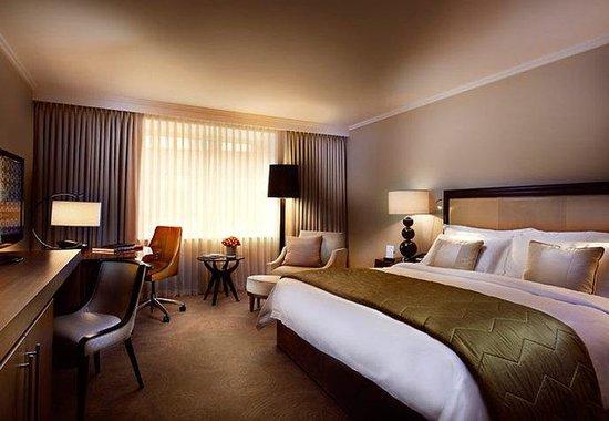 St. Pancras Renaissance Hotel London: Barlow House Premium Room