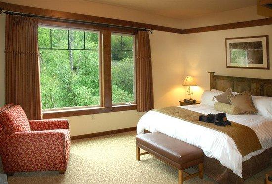 Lodge at Whitefish Lake: King Viking Lodge Room