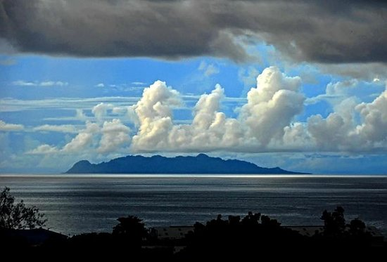 Kuila Village Stay: Savo Island view from Honiara
