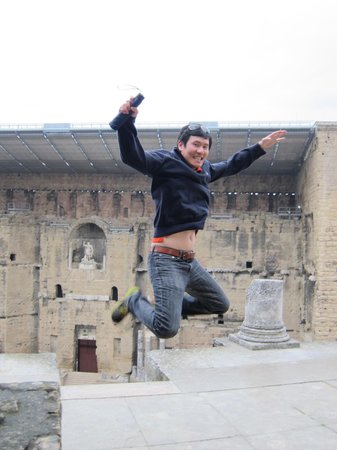 Experience Provence Tours : Jump, in the name of love!