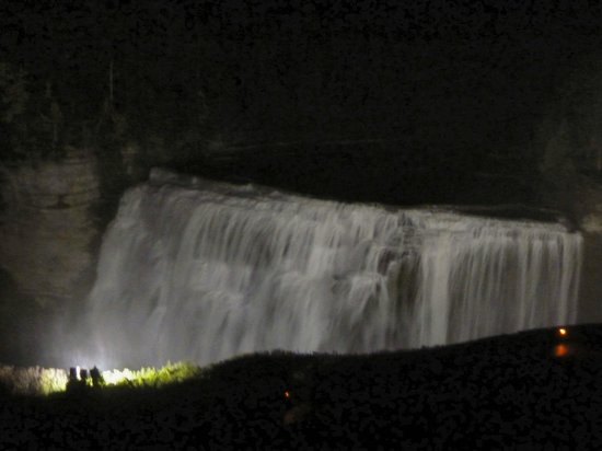Glen Iris Inn: From the library window at night...the falls are lit up.