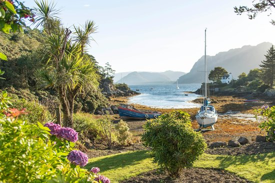 Plockton Gallery - The Manse: Along the water front