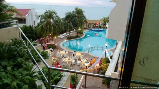 Flamingo Hotel by the Beach, Penang: View from second floor !