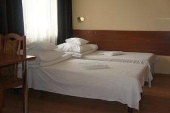 Nu Hotel : SCHRDb