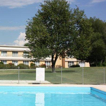 BEST WESTERN Aix Sainte Victoire : Hotel Vue Piscine