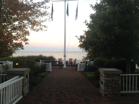Inn at Bay Harbor, An Autograph Collection Hotel : View of Hotel Grounds and Lake Michigan's Little Traverse Bay