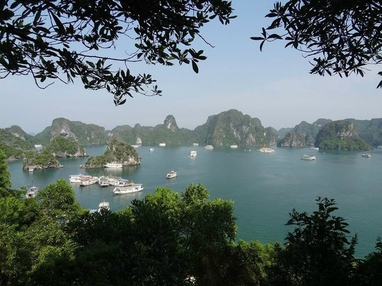 Vietnam AG Travel Private Day Tours: Halong Bay day time