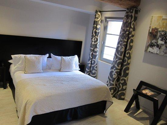 Hôtel de Gantés : Very comfortable bed!