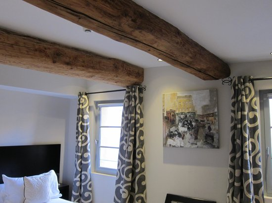 Hôtel de Gantés : We loved the interiors - modern mixed with rustic!