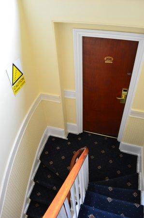Days Inn London Hyde Park : Room 208
