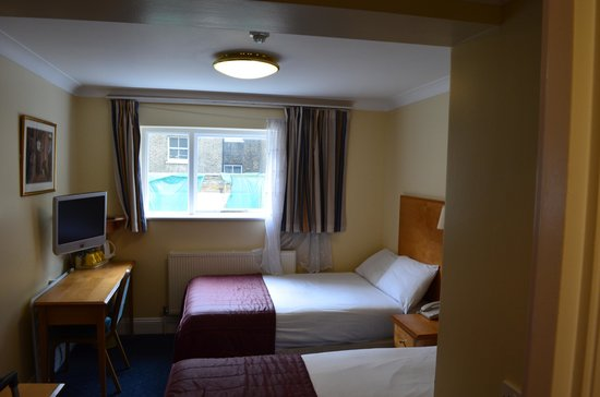 Days Inn London Hyde Park: 208 Bedroom