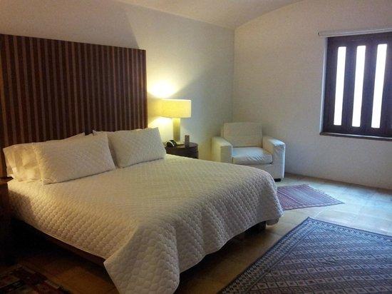 Casareyna Hotel: bed