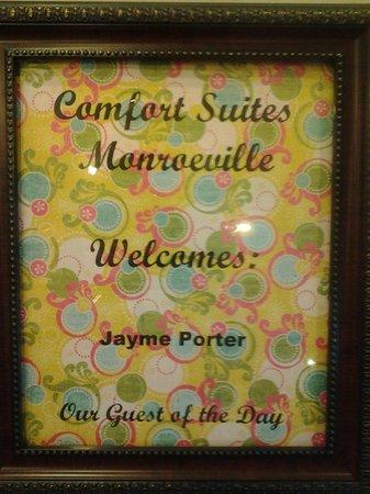 كومفرت سويتس مونروفيل: My Guest of Day Certificate- I took it Home!