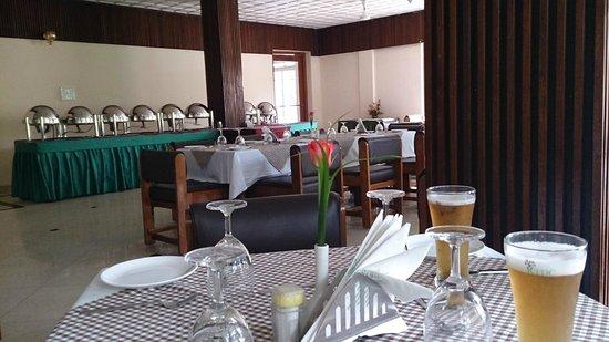 Aranya Nivas KTDC: restaurant serves good quality cuisine