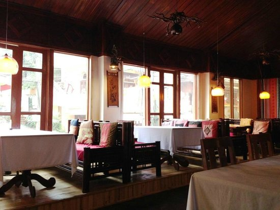 Nature Bar & Grill Restaurant: Restaurant interior