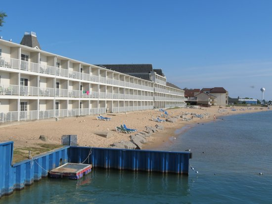 Hamilton Inn Select - Beachfront: Great location