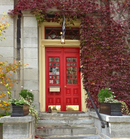 Frontenac Club Inn: Fall at the Inn