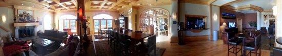 Lodge & Spa at Cordillera: Sitting area/restaurant