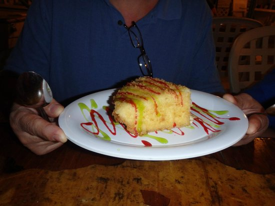 Porky's Bayside Restaurant and Marina: The fried key lime pie, it was awesome!